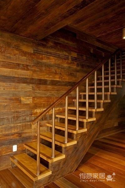 朴实的圣保罗全木住宅-客厅篇图_8