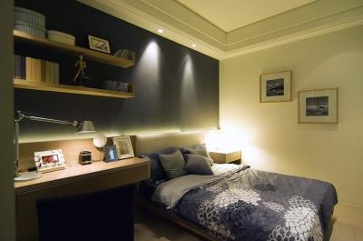 简约现代卧室