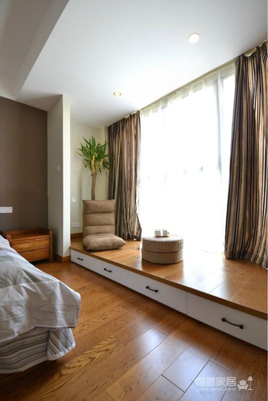 组-卧室里的收纳地台+清新墙贴图_3