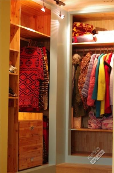 组-多彩更衣室
