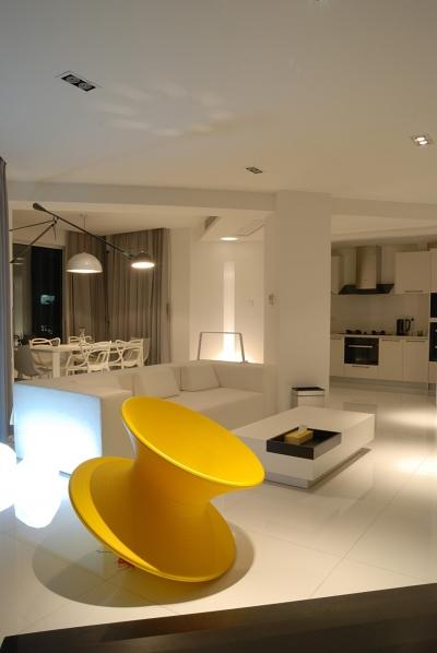 黑白当道的公寓房