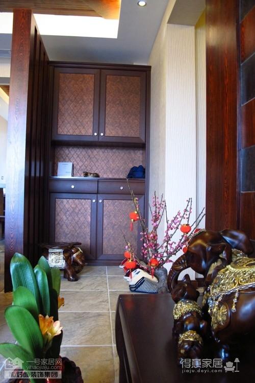 盛世家园160平四室两厅东南亚风格图_4