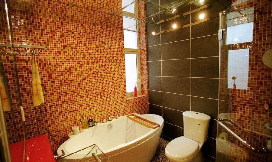 马赛克瓷砖的浴室效果