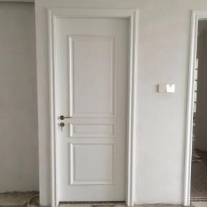 安装季之房门装好了
