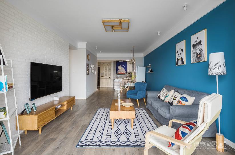 纯真一抹蓝,建筑设计师的家