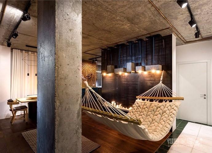 恒大悦湖公馆 70平方LOFT 两室两厅