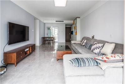 124平三居室现代风格