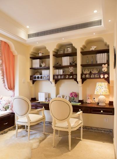 经典地中海风格风,书房榻榻米设计非常亮眼 