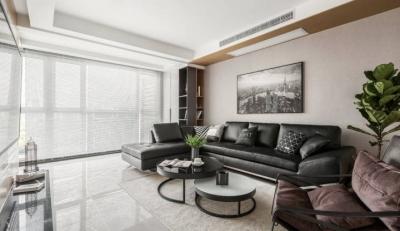 128㎡现代简约设计,深色家具搭配原木,沉稳大气