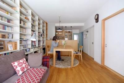 温馨单身一室公寓 空间开放而毫无压迫感