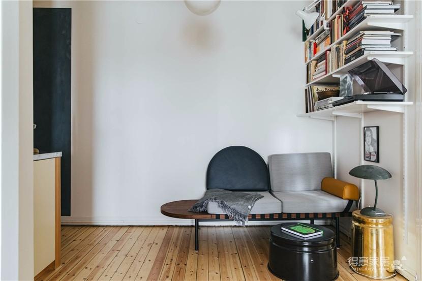 这间公寓,有着出色的橱柜和整墙的书架图_5