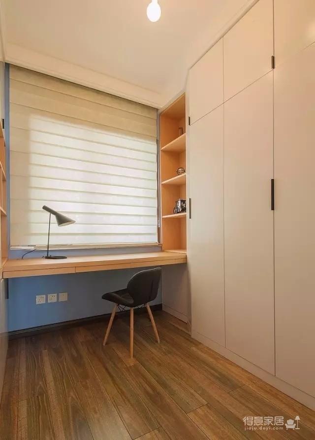以墨绿为背景色 内敛低调的新加坡风格125㎡三室住宅