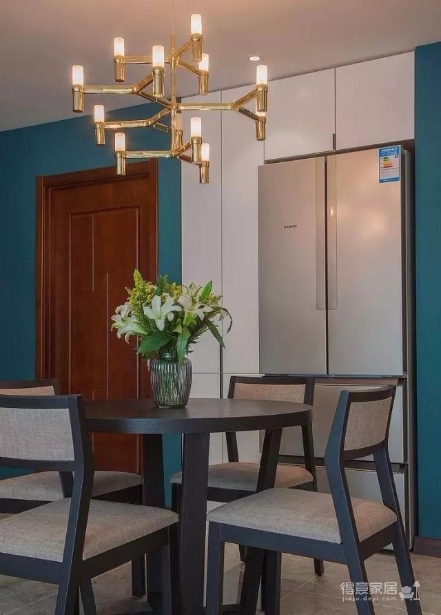 以墨绿为背景色 内敛低调的新加坡风格125㎡三室住宅图_5