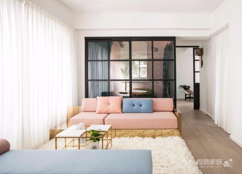 这间公寓,既是他们的家,也是他们作品的展厅图_1