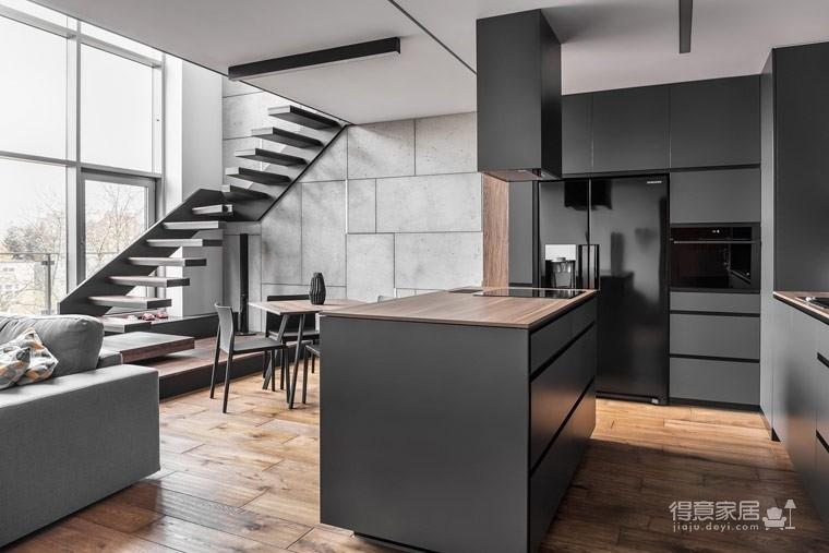 波兰80㎡工业风单身公寓,灰色调超有质感