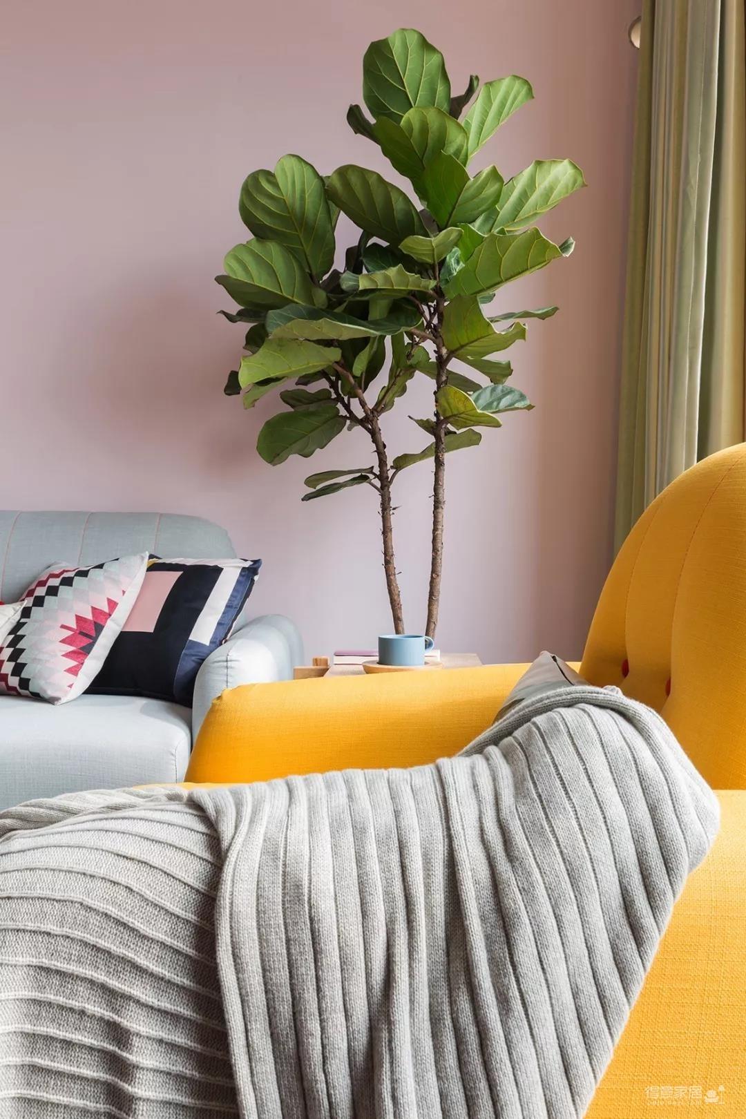 70㎡浪漫小北欧,喜欢这样粉调的客厅,暖心惬意!