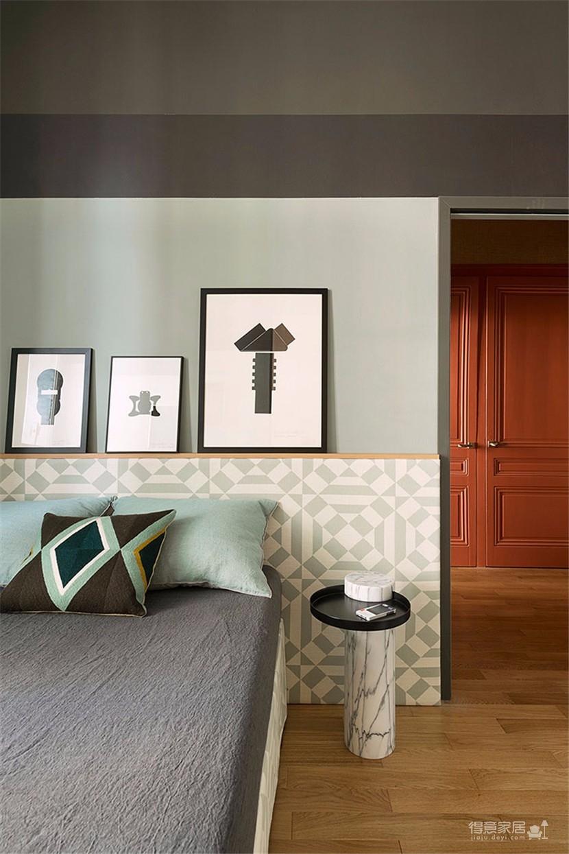 这间欧式现代公寓,用色彩传达情绪