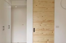 拥有自然气息的98平新东南亚原木公寓图_4