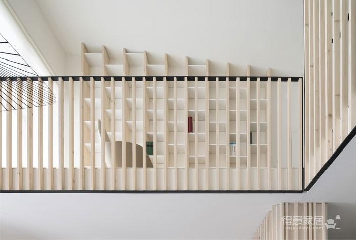 光线充足的简约优雅Loft住宅设计图_4