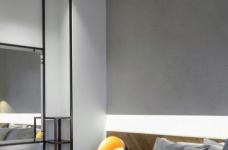黑色和灰色打造的现代住宅设计图_5