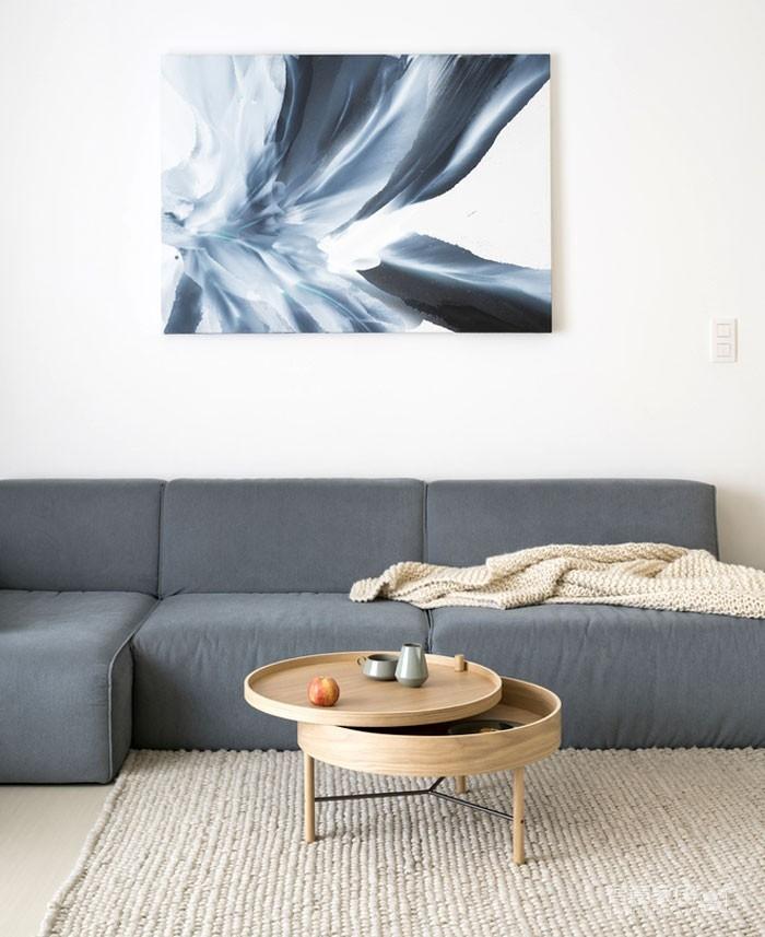 光线充足的简约优雅Loft住宅设计图_3