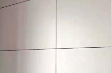 《喜瑞都》住宅样板间墙面铺贴进行中图_5