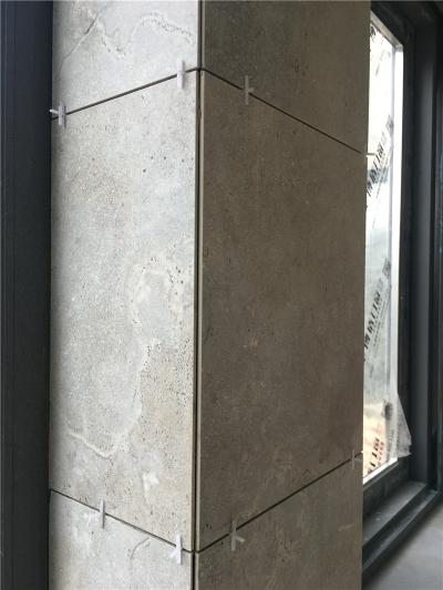 光谷坐标城 贴砖