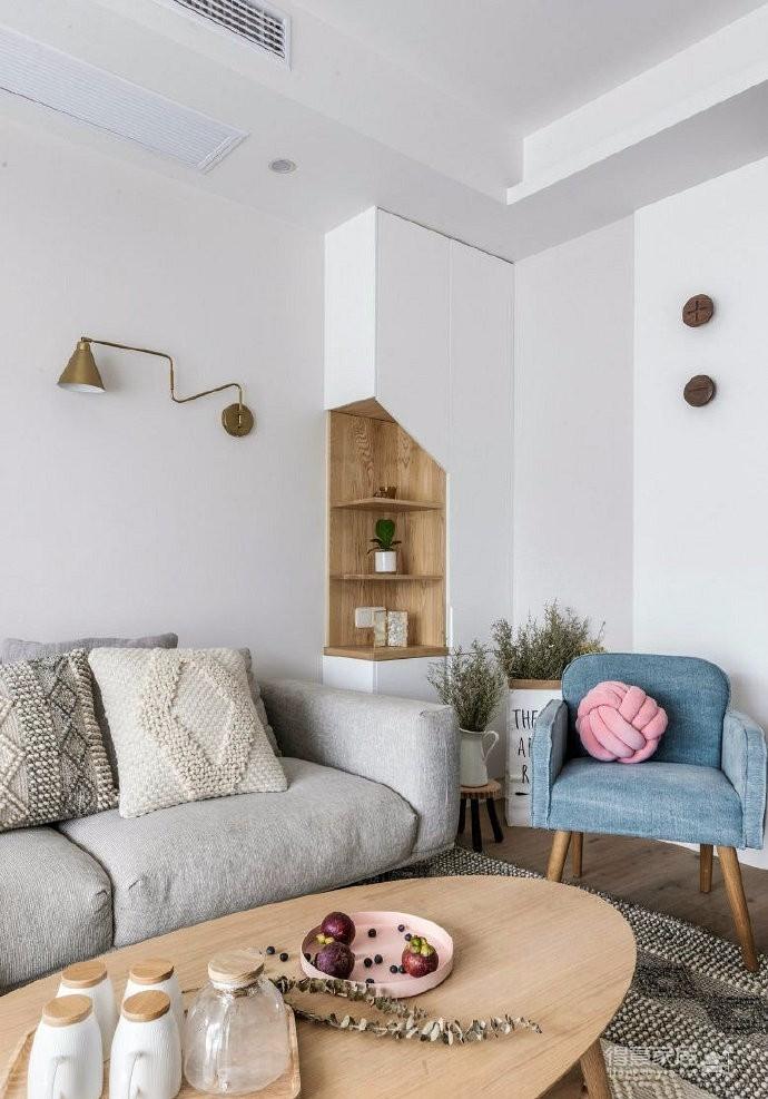 sofa的意思_90㎡简约北欧风家居设计,沙发墙的造型很有意思,空间氛围清新 ...