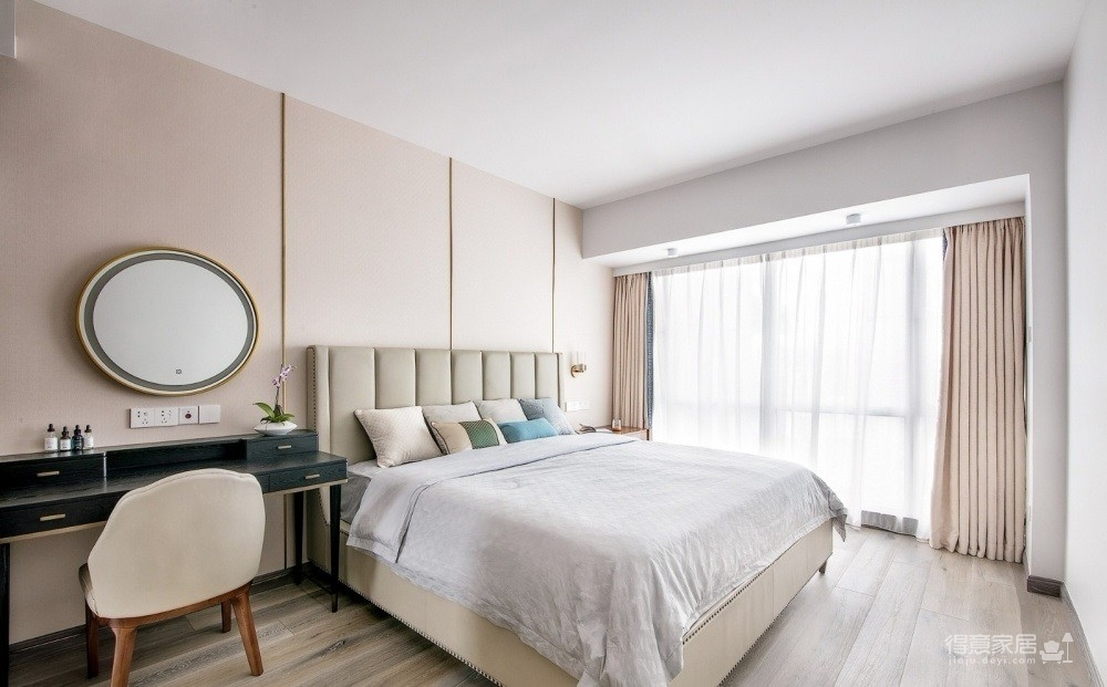 海尔地产国际广场141平四室两厅新中式风格装饰效果图