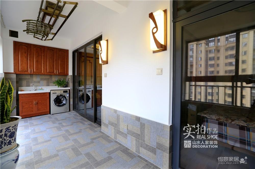 汉口城市广场133平三室两厅中式风
