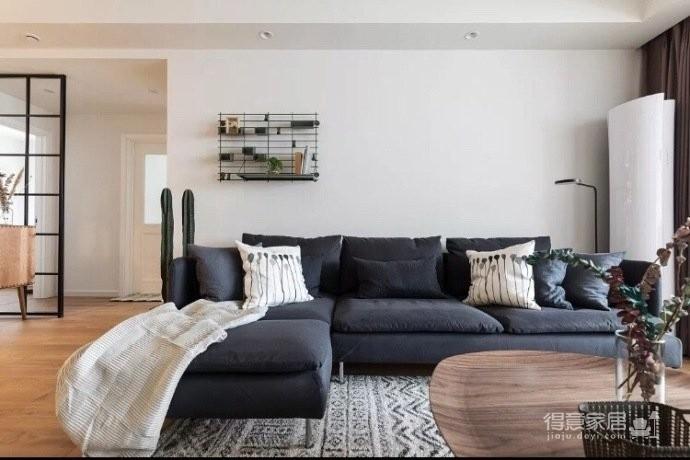 地台式的卧室,不仅舒适,储物功能也强大图_3