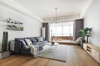 地台式的卧室,不仅舒适,储物功能也强大