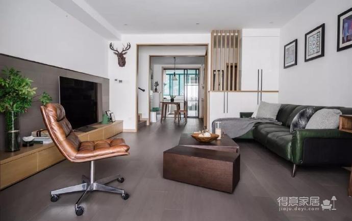 110m²混搭风三口之家,卡座餐厅实用又美观
