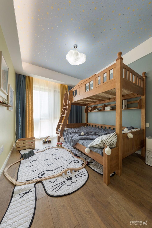 精选案例三居室北欧轻奢风格