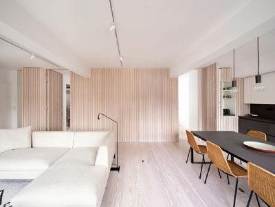 木隔墙创造出简约的生活空间