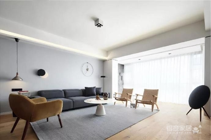 180㎡简洁舒适三居室,大大的落地窗