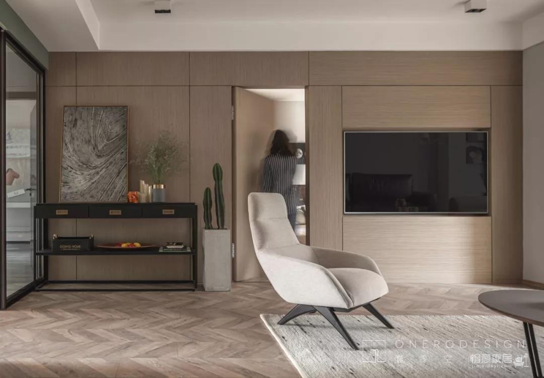 Onero Design | 多功能隐形床完美扩容,去风格化的三口之家暖意流动!