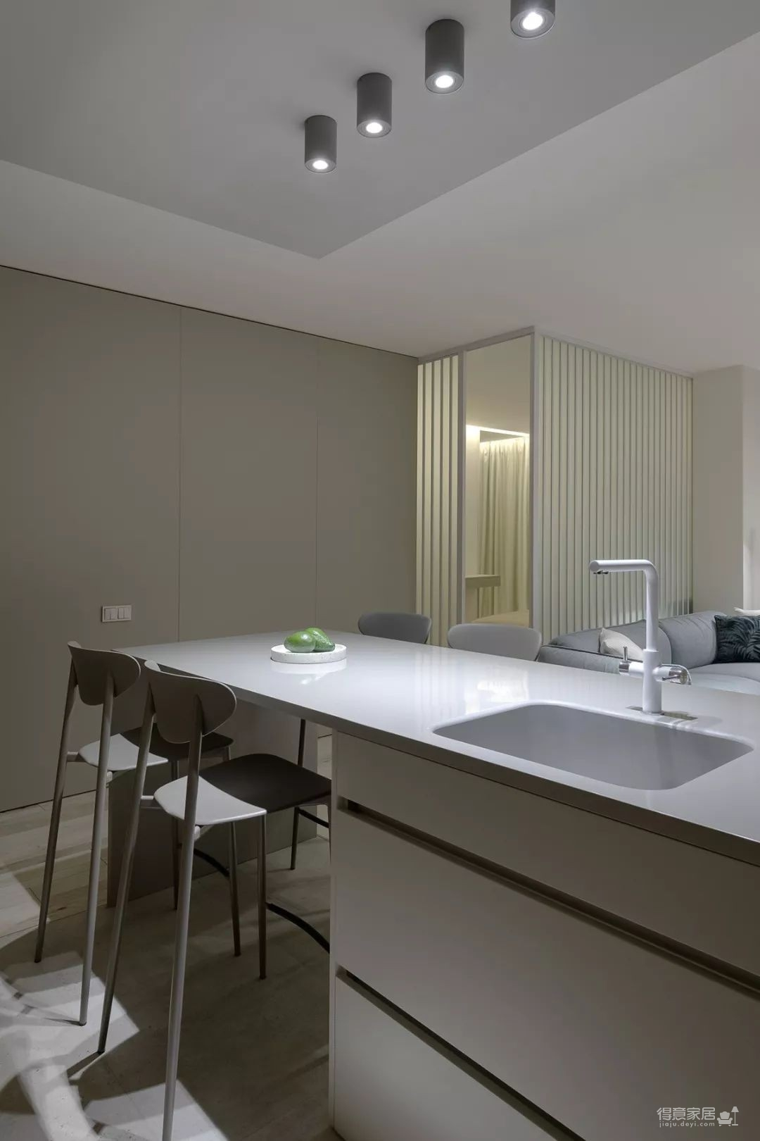 53㎡ 简约风,一室一厅这样设计超省空间 !