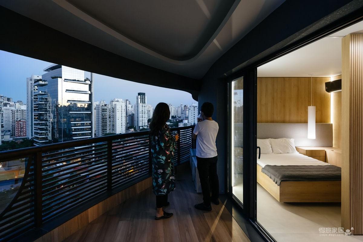 42㎡ 的简约公寓,一道木墙分割了多功能空间图_17