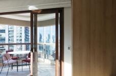 42㎡ 的简约公寓,一道木墙分割了多功能空间图_5