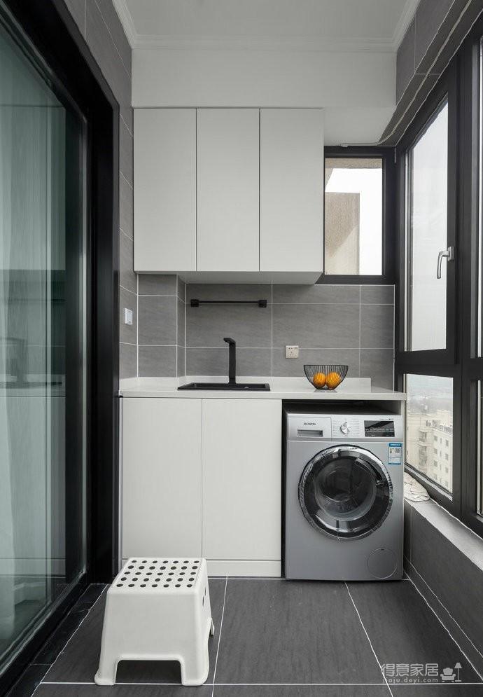 现代简约风格三居室装修设计,干净舒适的黑白调