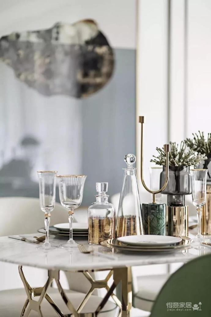 时尚现代轻奢风格家居装修设计,色调舒雅而高级,空间造型精致干练又大气,非常有格调和品味的一个家