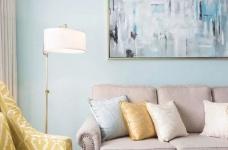 美式风格的装修案例,大面积惬意的蓝,配以唯美不失质感的软装搭配,让家顿时变成一个安心的避风港,将浮华和喧嚣隔绝于门外。图_5