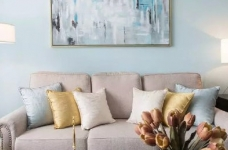 美式风格的装修案例,大面积惬意的蓝,配以唯美不失质感的软装搭配,让家顿时变成一个安心的避风港,将浮华和喧嚣隔绝于门外。图_7