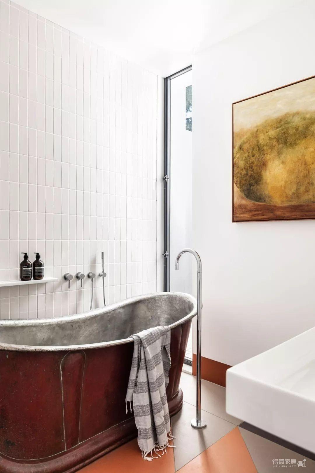 镂空的窗户设计,让这座悉尼小宅自带高级感