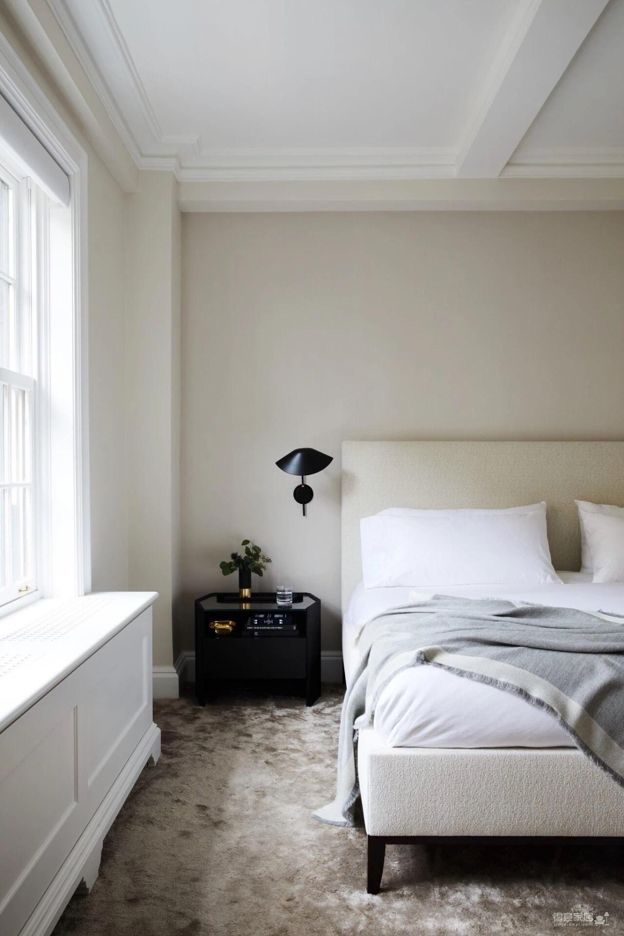 摒弃一切老旧陈设和装饰,重新构建出迷人的现代居室