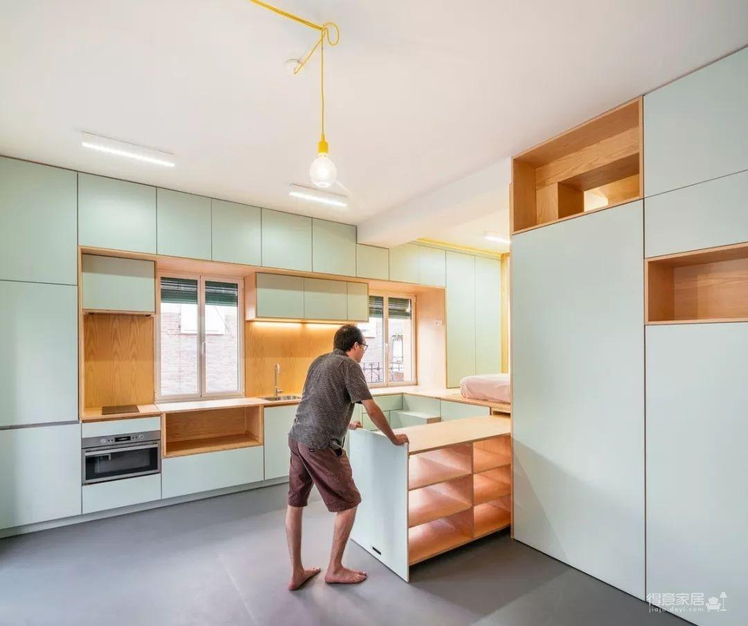 33㎡蜗居单身公寓,竟然有着一整屋收纳空间?