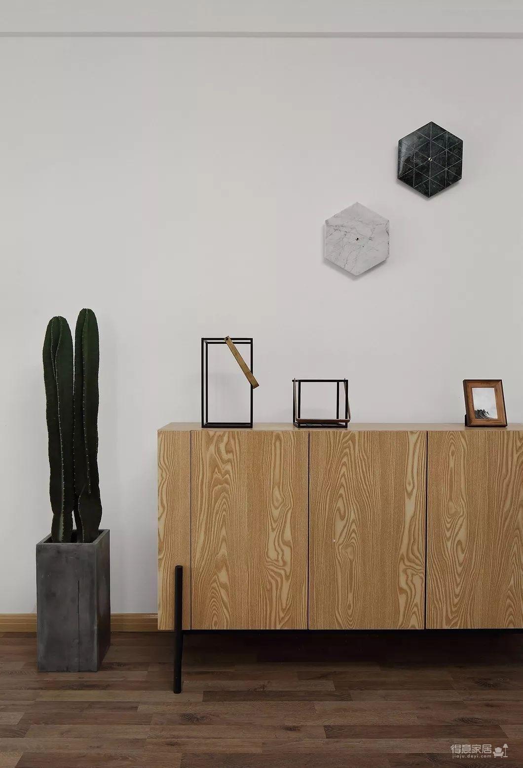 80平现代简约两居室,原木风好温暖!图_6
