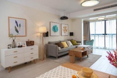 90㎡现代简约风格家居装修设计,客厅装个投影是个不错的选择!