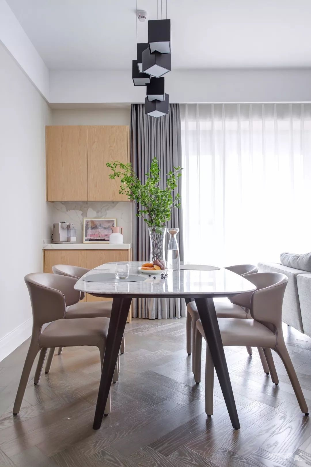 148㎡现代简约,90后女神的精装房,改成简洁舒适的家!图_15